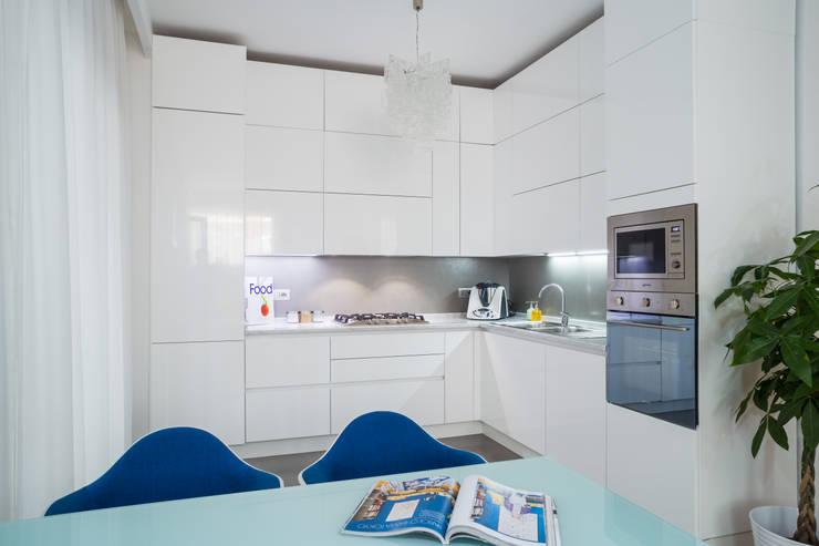 Appartamento C&F: Cucina in stile in stile Moderno di Marcella Pane