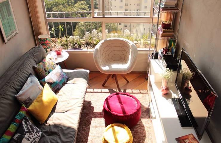 Sala de Estar: Salas de estar modernas por Ingrid Hirsch