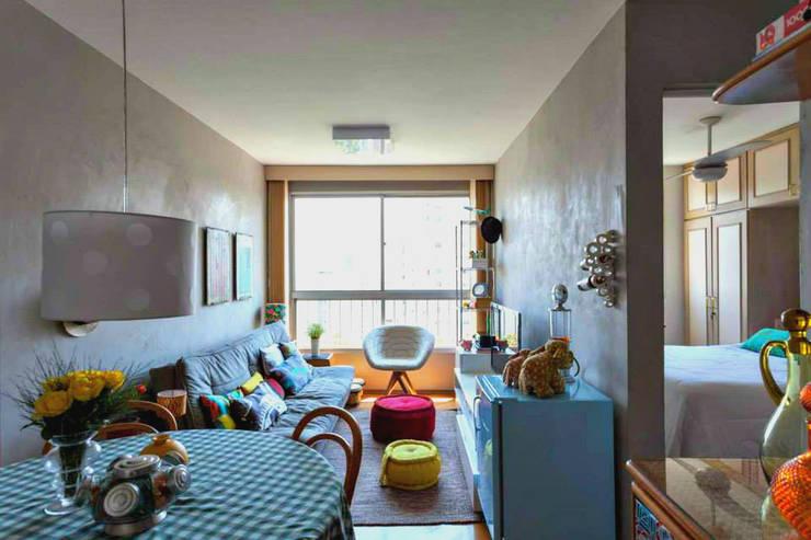 Living: Salas de estar modernas por Ingrid Hirsch