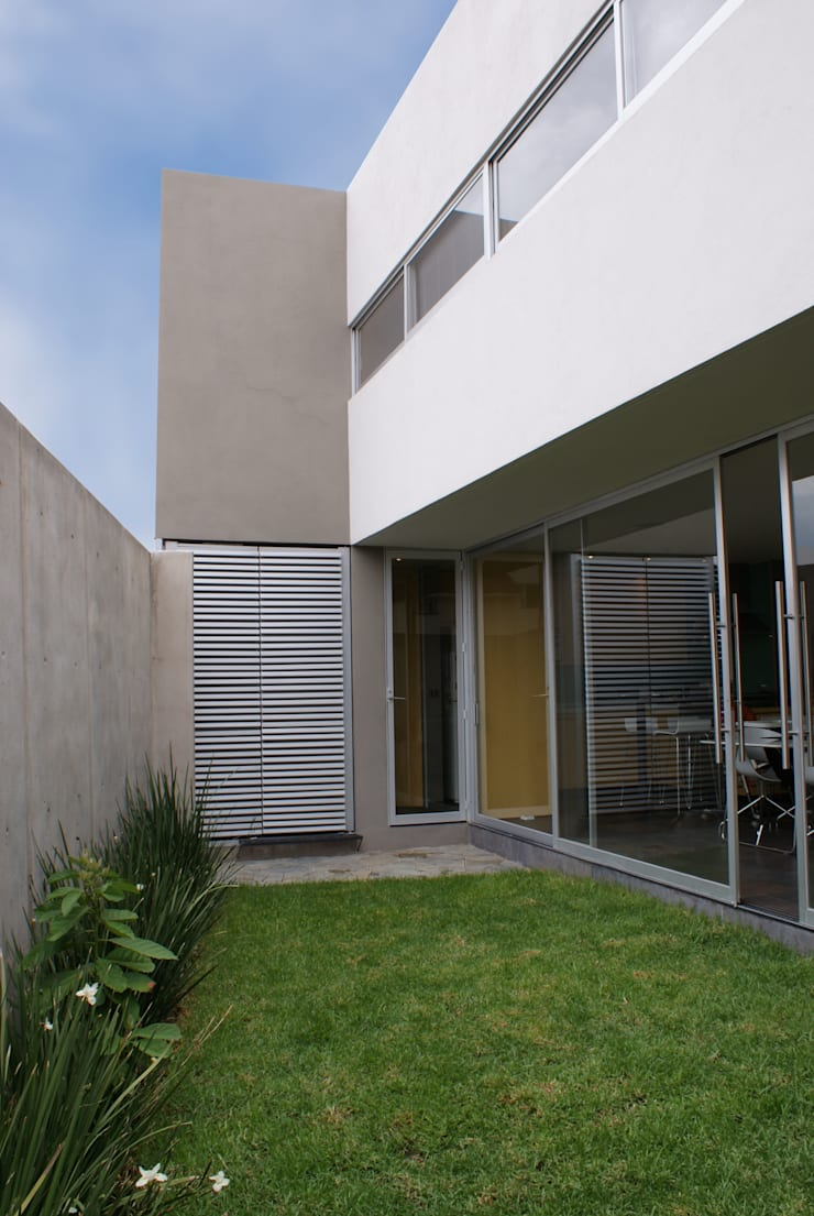 CASA FR: Casas de estilo  por Interior 3 Arquitectura