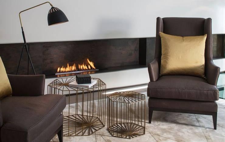 Interiors by Clients: Salas de estar ecléticas por Luisa peixoto Design