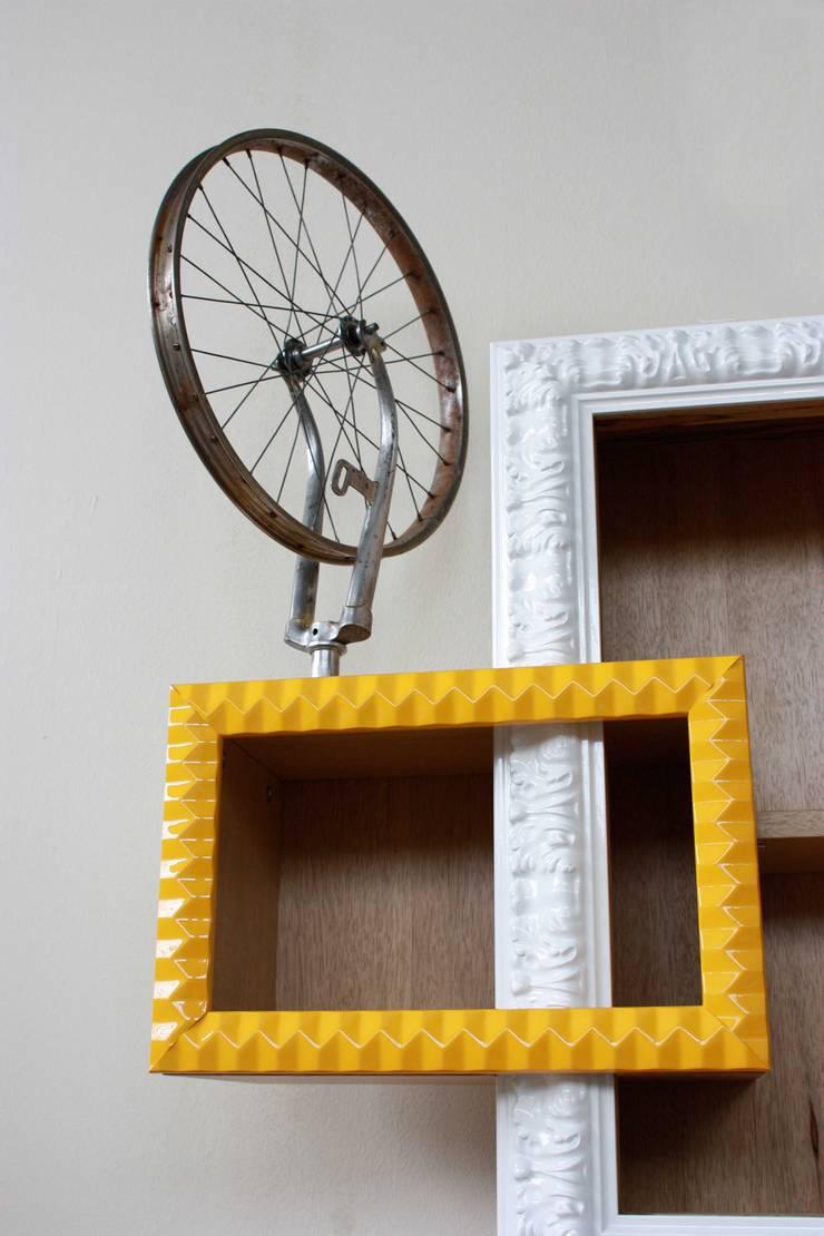 Living room by Macrit - Materie Creative Italiane,