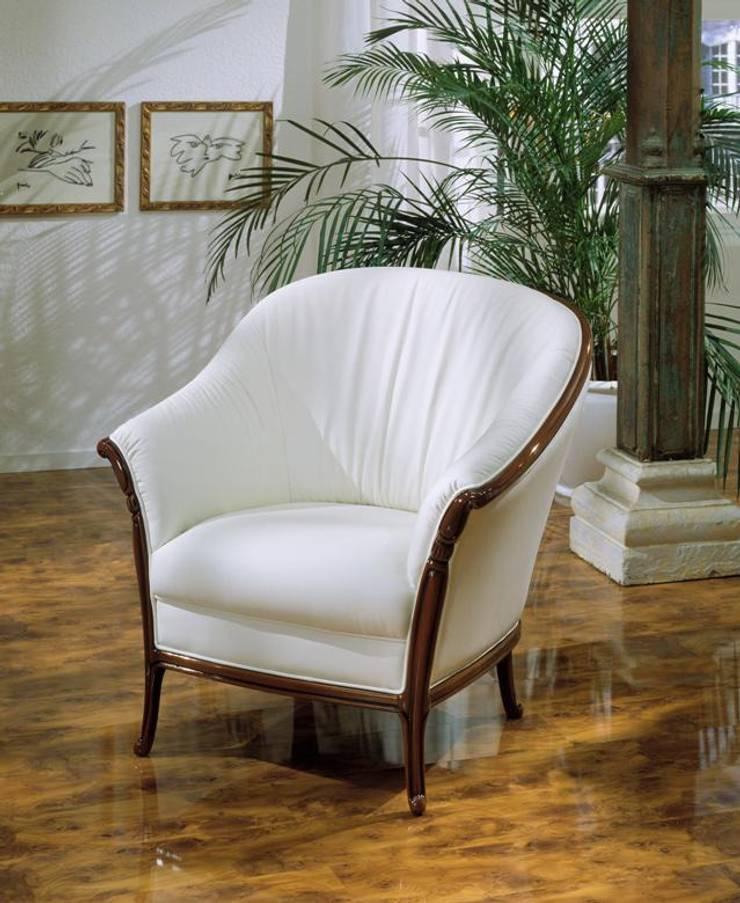 Pretorio fotel marki Nieri: styl , w kategorii Salon zaprojektowany przez Italian Style