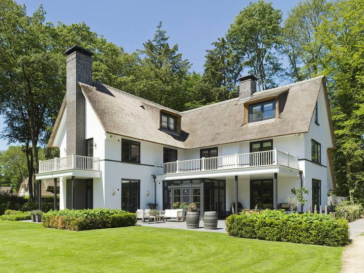 Terrazas de estilo  por Friso Woudstra Architecten BNA B.V.