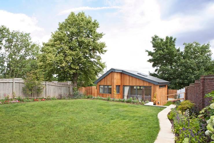 Garage/shed by Blankstone