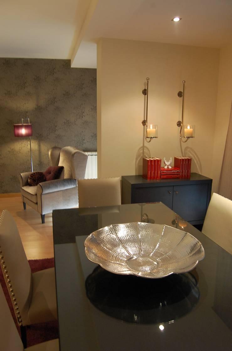 Apartamento Lisboa: Salas de estar  por Critério Arquitectos by Canteiro de Sousa