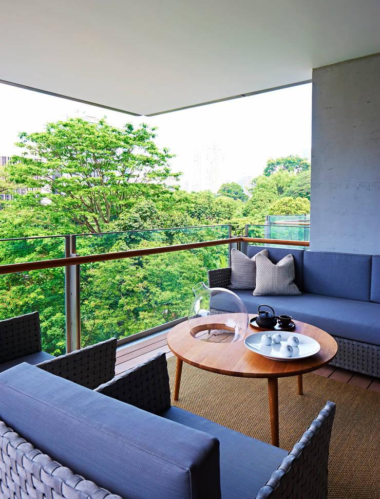 Geometric Harmony: Terraços  por Viterbo Interior design
