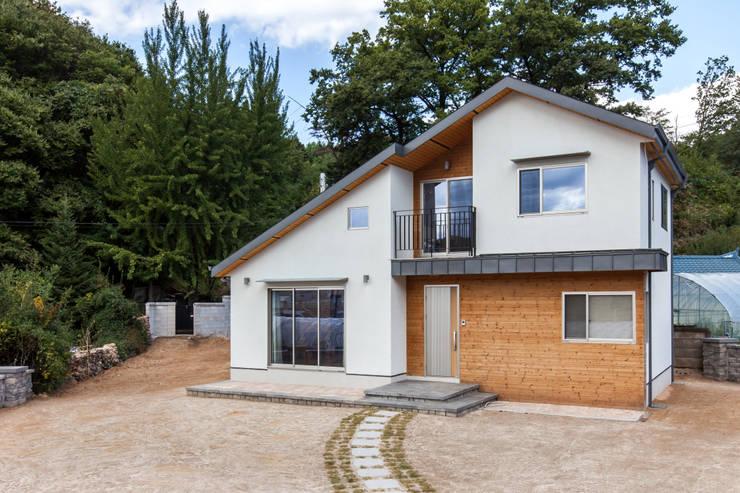 moderne Häuser von woodsun