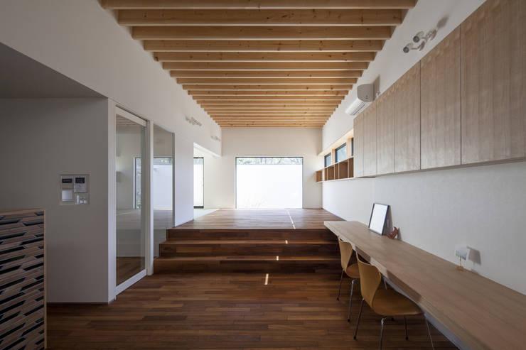 リビングダイニング 深沢の家: U建築設計室が手掛けたリビングです。,