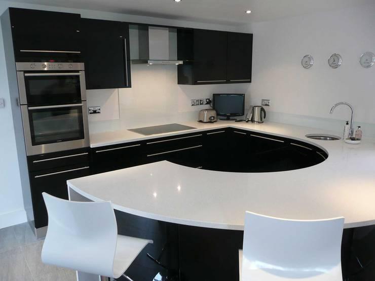 廚房 by PTC Kitchens