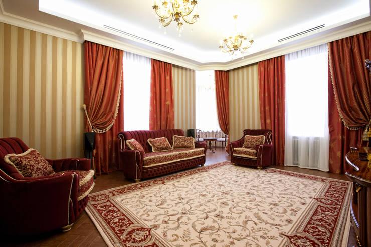 Квартира в классическом стиле: Гостиная в . Автор – Antica Style
