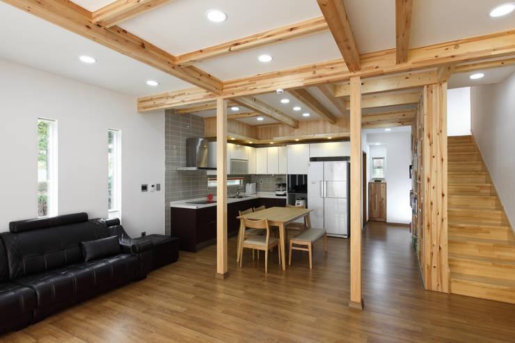 WOODSUN 인천 주택  : woodsun의  거실