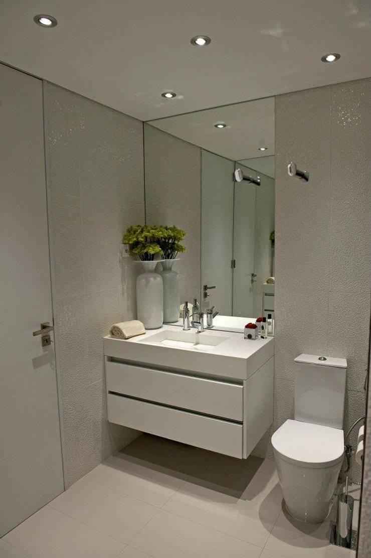 BAÍA DE LUANDA: Casas de banho  por Spaceroom - Interior Design