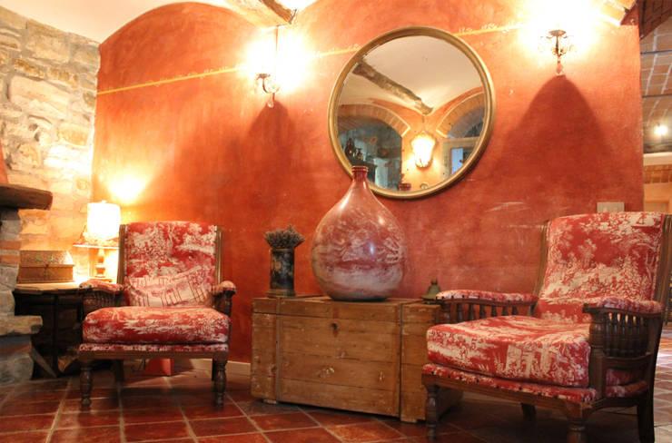 Living room by Naro architettura restauro       'Dein Landhaus im Piemont'