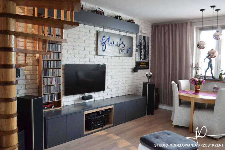 salon: styl , w kategorii Salon zaprojektowany przez Studio Modelowania Przestrzeni,Eklektyczny
