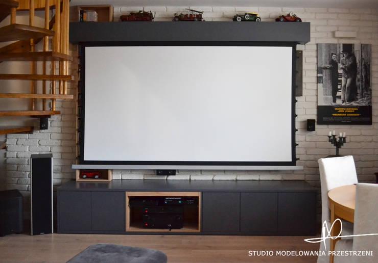 Kino domowe: styl , w kategorii Salon zaprojektowany przez Studio Modelowania Przestrzeni