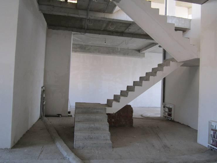 Лестница до:  в . Автор – Antica Style