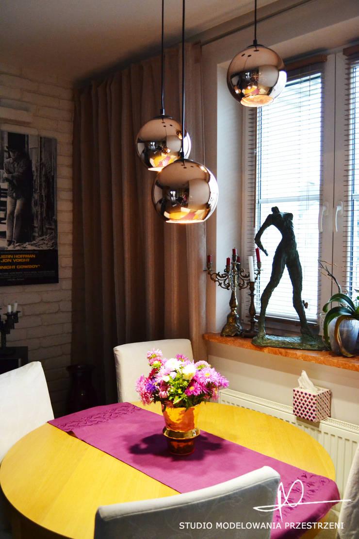 Kącik jadalny: styl , w kategorii Jadalnia zaprojektowany przez Studio Modelowania Przestrzeni,Eklektyczny