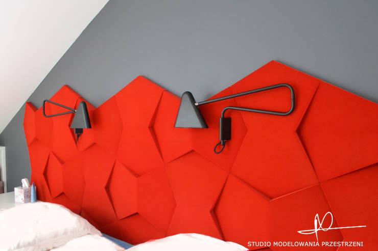 Sypialnia- wezgłowie łóżka: styl , w kategorii Sypialnia zaprojektowany przez Studio Modelowania Przestrzeni,Eklektyczny