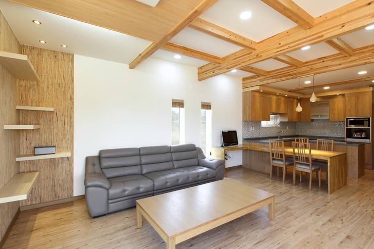 modern Living room by woodsun