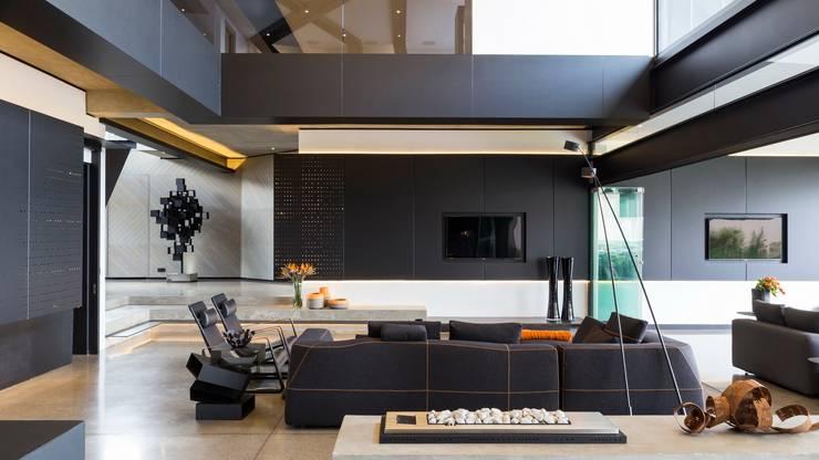 Livings de estilo  por Nico Van Der Meulen Architects