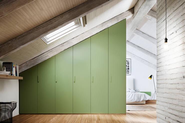 modern Bedroom by de-cube