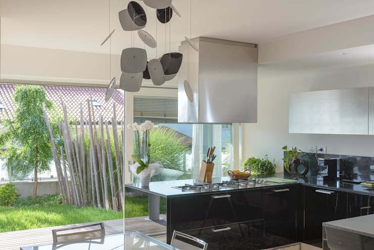 VILLA DESIGN: Cucina in stile  di Biohaus