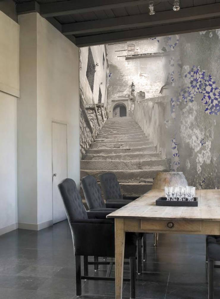 stairs: Pareti & Pavimenti in stile  di Creativespace,