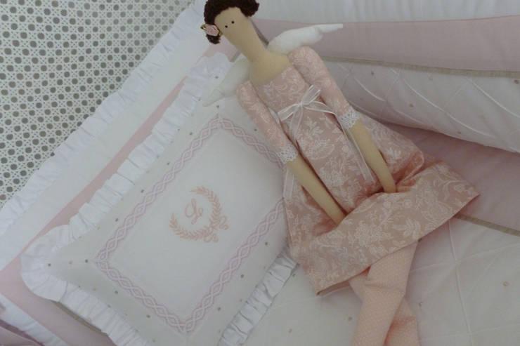 Enxoval de Berço e Cama: Quarto de crianças  por Betsy Baby Design