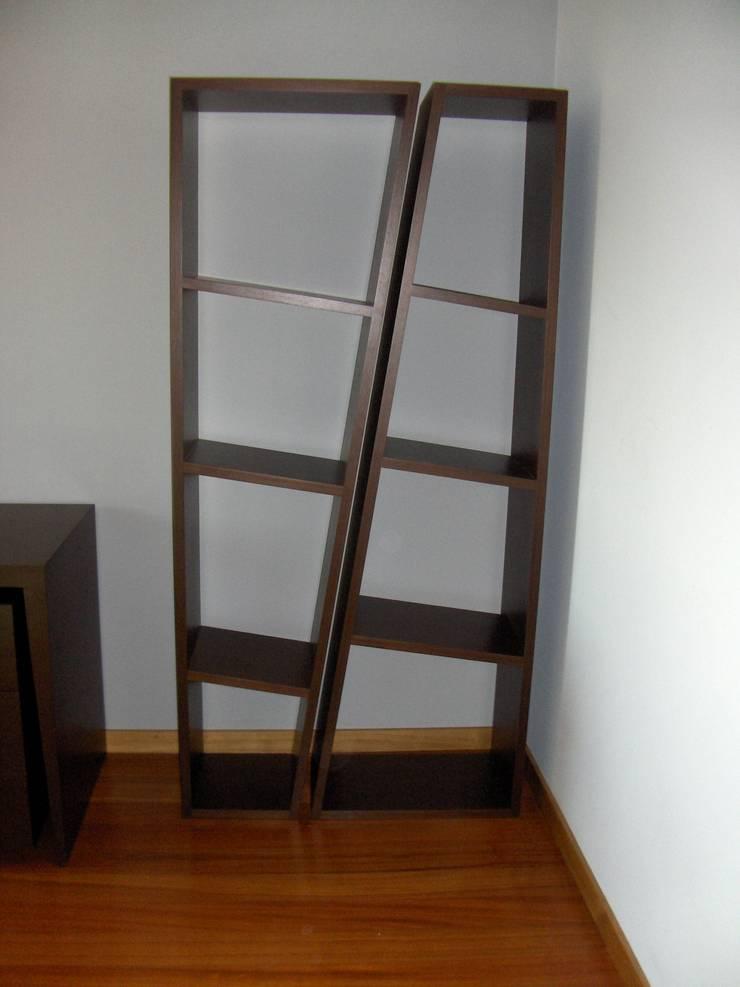 de Renato Neves Design Moderno Madera Acabado en madera