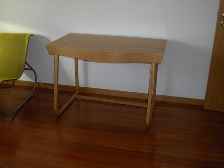 Secretária: Quarto  por Renato Neves Design