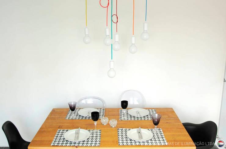 CORES E FORMAS: Sala de jantar  por ana roman
