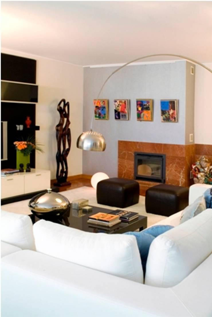 Zona de Estar : Salas de estar  por Andreia Marques Designer de Interiores
