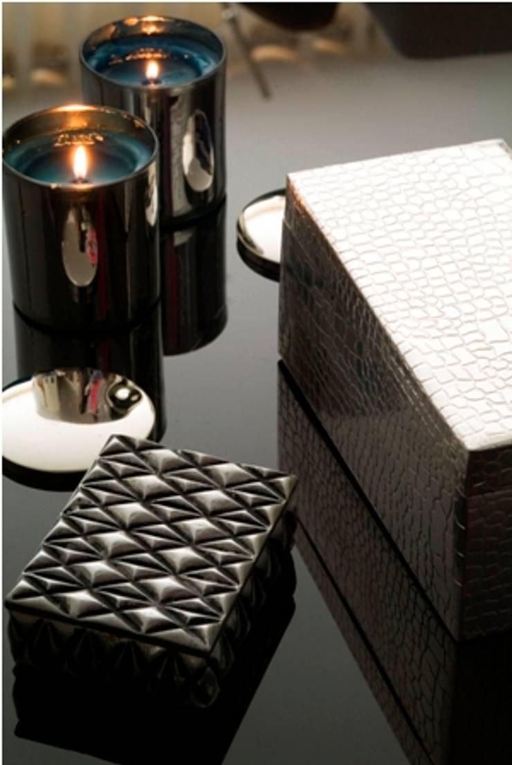 Caixas em Prata : Salas de estar  por Andreia Marques Designer de Interiores