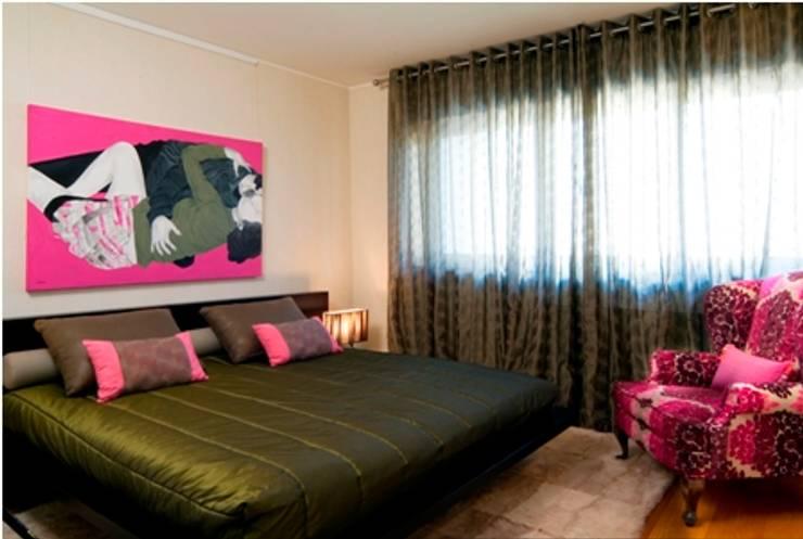 Suite Casal : Quartos  por Andreia Marques Designer de Interiores