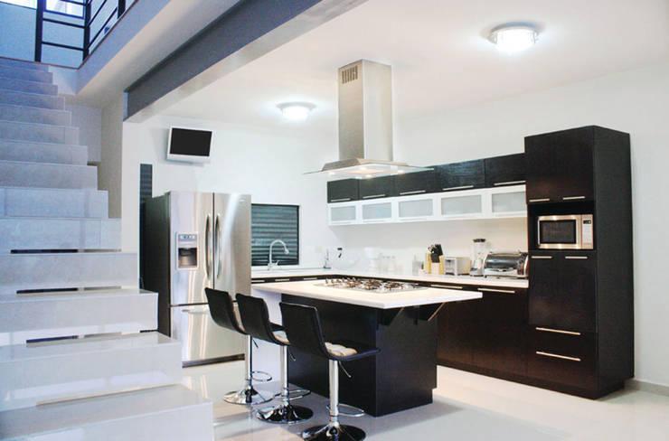 Cocinas: Cocinas de estilo moderno por Nomada Design Studio