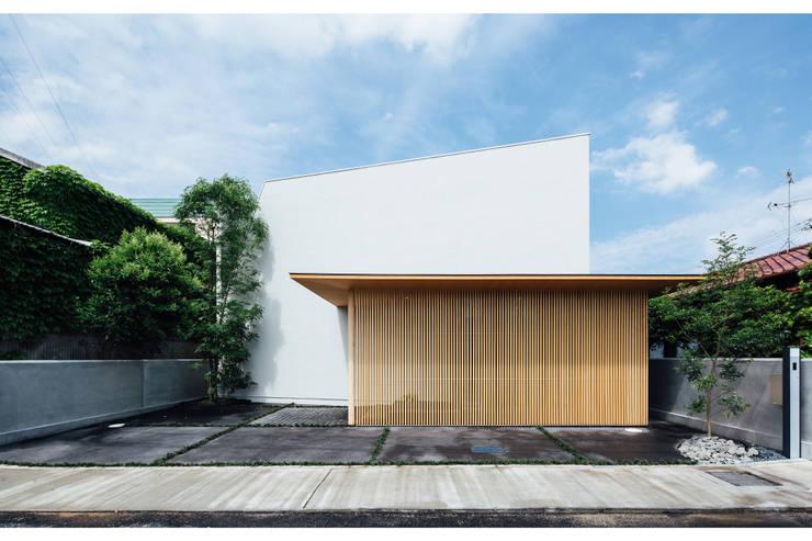 コンセプトハウス― 囲炉裏の住宅 ― モダンな 家 の 一級建築士事務所 株式会社KADeL モダン