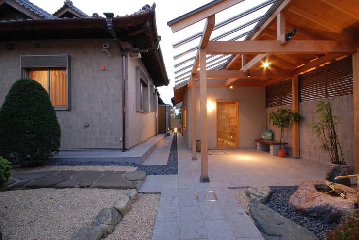 趣味の部屋: 株式会社 中村建築設計事務所が手掛けた和室です。,