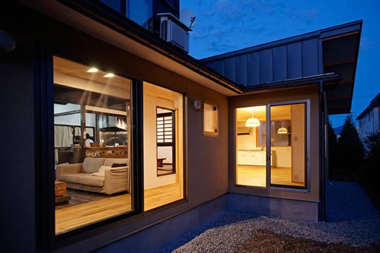 Projekty, nowoczesne Domy zaprojektowane przez 大類真光建築設計事務所