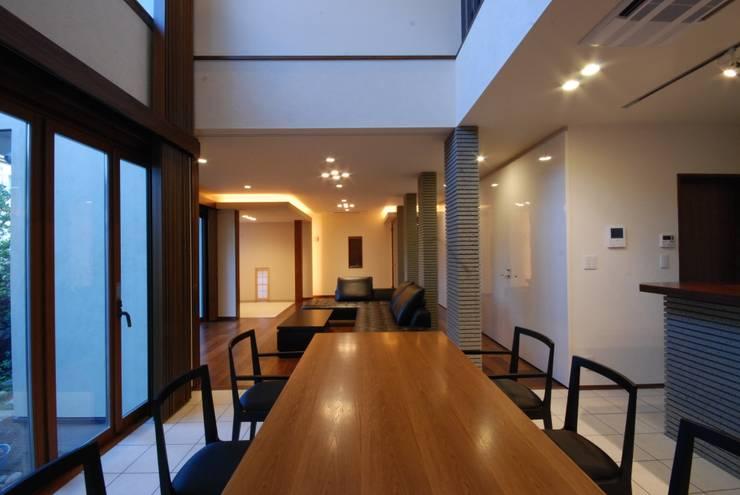 Столовые комнаты в . Автор – 株式会社 中村建築設計事務所, Модерн