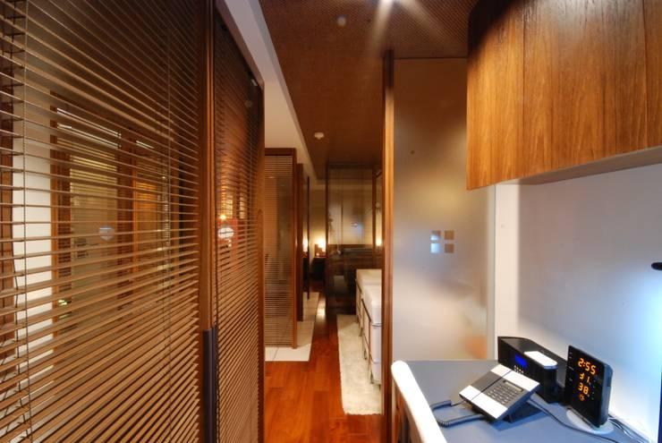 アフターウォークインクローゼット: 株式会社 中村建築設計事務所が手掛けたです。