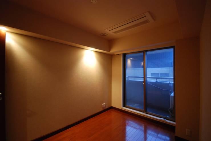 ビフォー個室: 株式会社 中村建築設計事務所が手掛けたです。