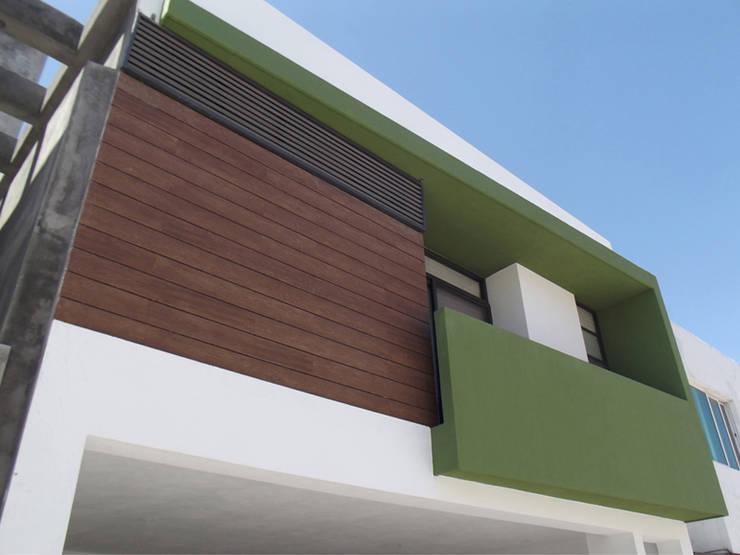 Casa: Casas de estilo  por AaC+V Arquitectos
