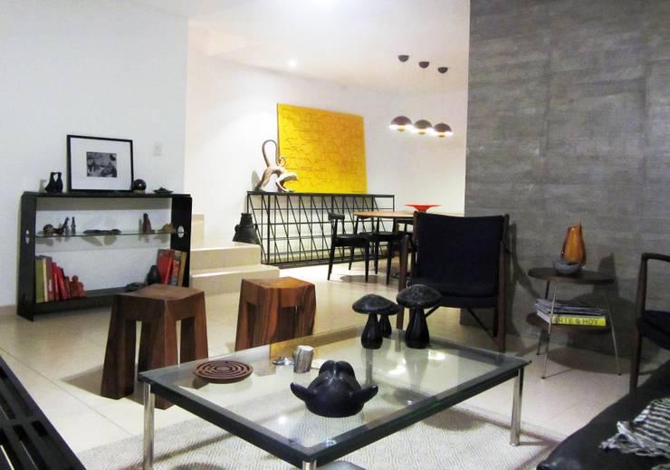 Casa: Salas de estilo  por AaC+V Arquitectos