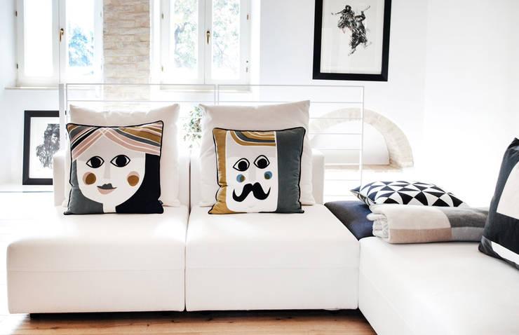 غرفة المعيشة تنفيذ Ossigeno Architettura