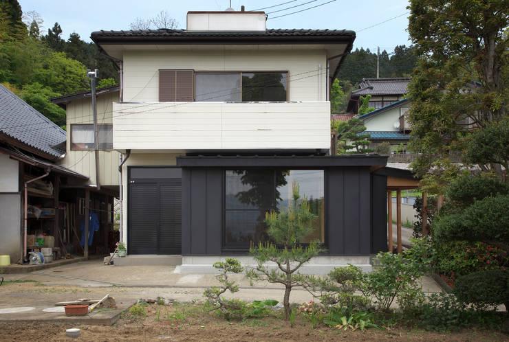 雲河原の増築_外観2: 原口剛建築設計事務所が手掛けた家です。