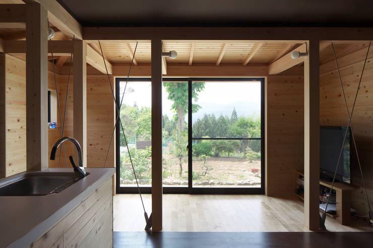 雲河原の増築_内観2: 原口剛建築設計事務所が手掛けた家です。