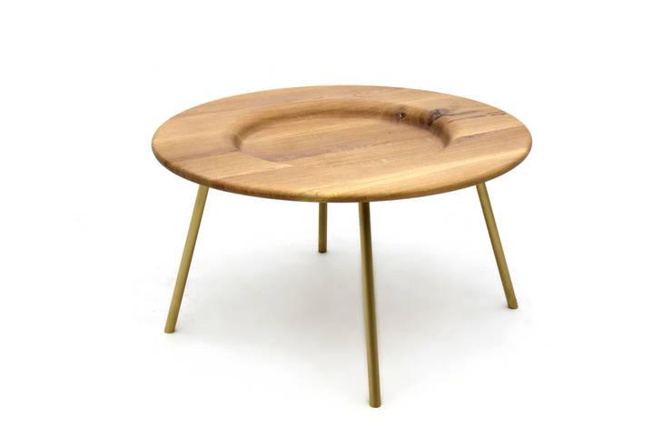 BOARD Coffee Table : Sala de estar  por PAULO S. ANTUNES UNIPESSOAL, LDA.
