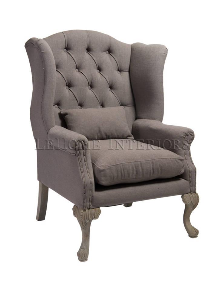 Кресло Sebastian Armchair A121: Гостиная в . Автор – LeHome Interiors