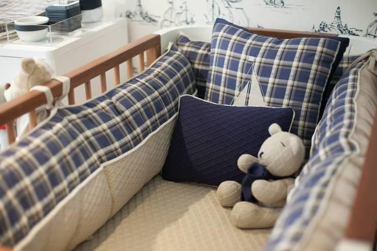 2ª Casa Baby Dreams : Quarto de crianças  por Fau Home & Living